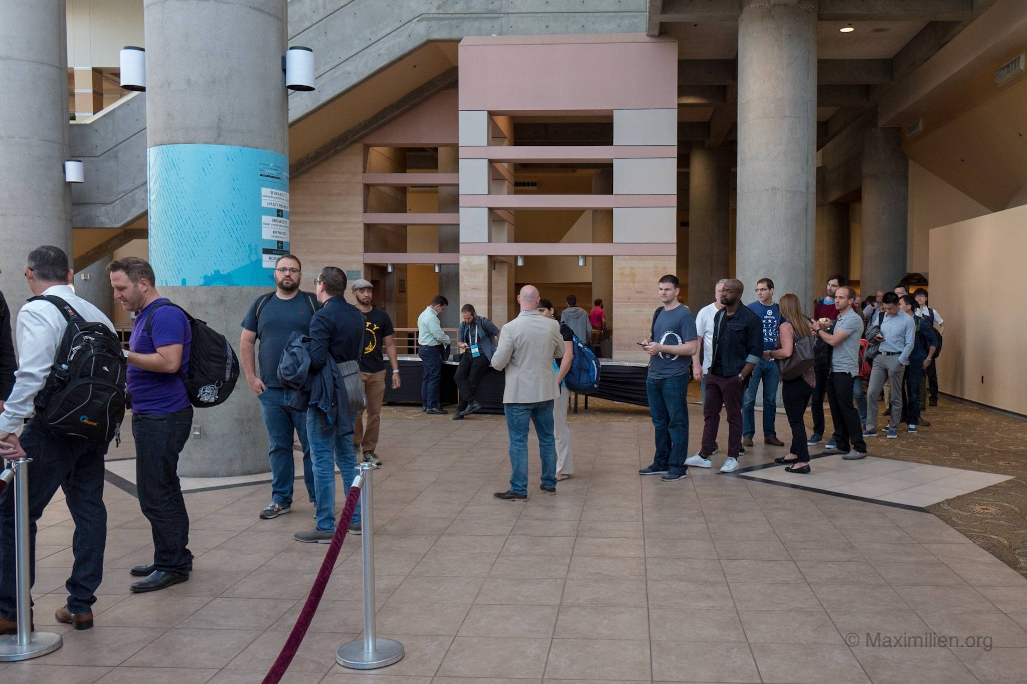 Cloud Foundry Summit participants lining up at the summit in Santa Clara in 2016