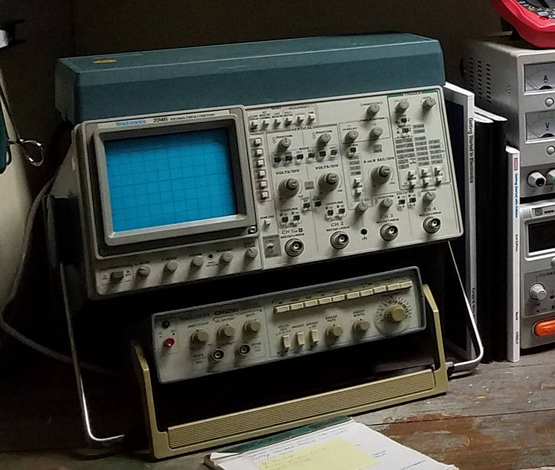 My Tektronix 2246 100Mhz 4-channel oscilloscope